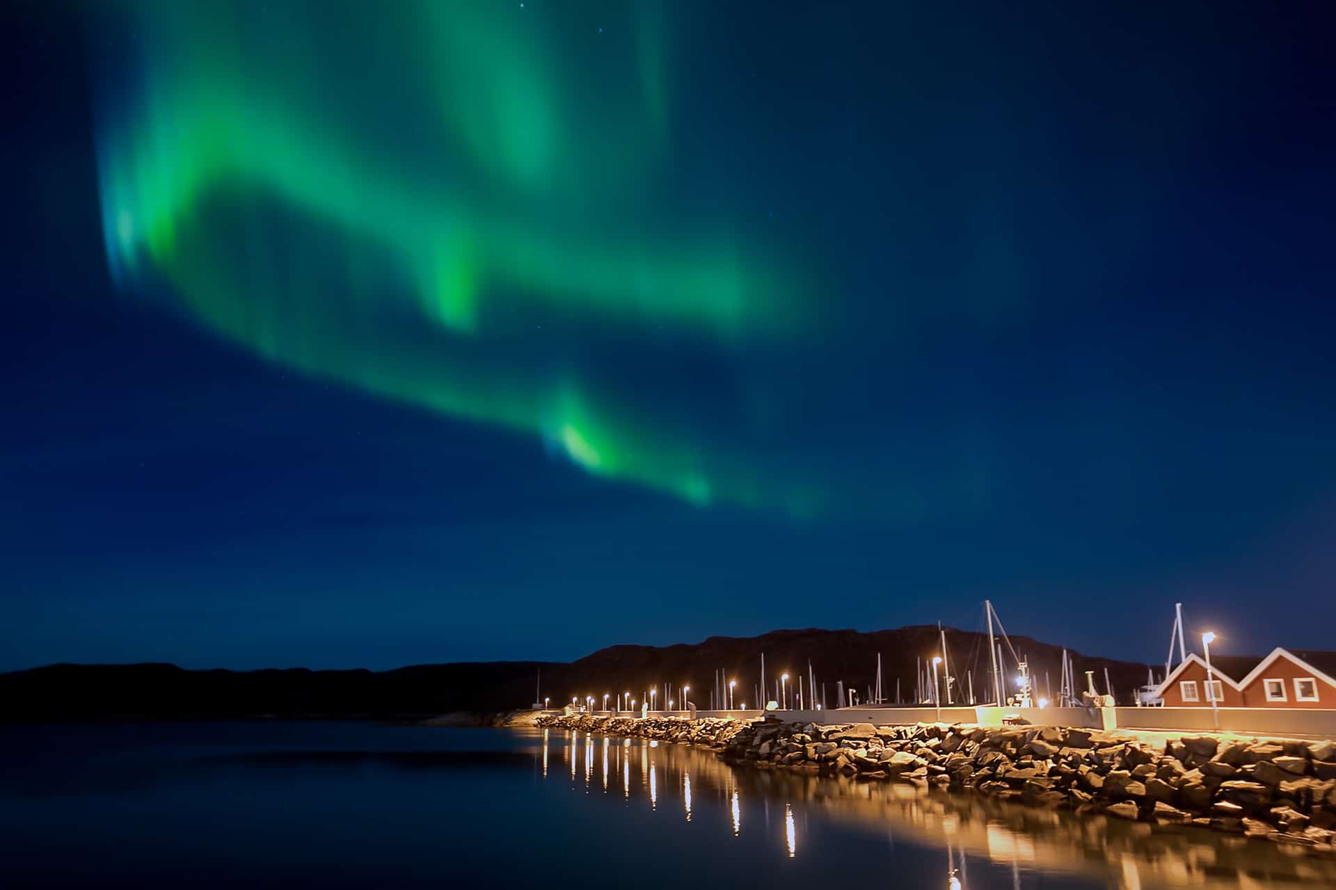 Northern Norway is one of the most pleasant and interesting places to watch the incredible colors of northern lights dance through the polar skies.