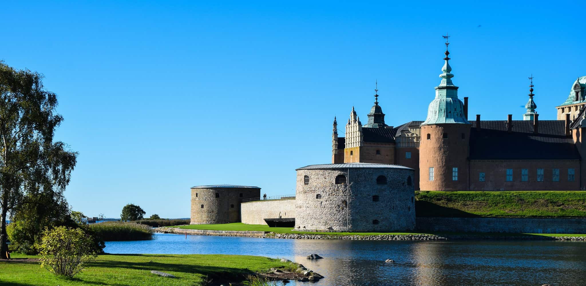 Kalmar Castle displays both permanent exhibitions, which tell the castle's dramatic history, and temporary exhibitions with different themes.