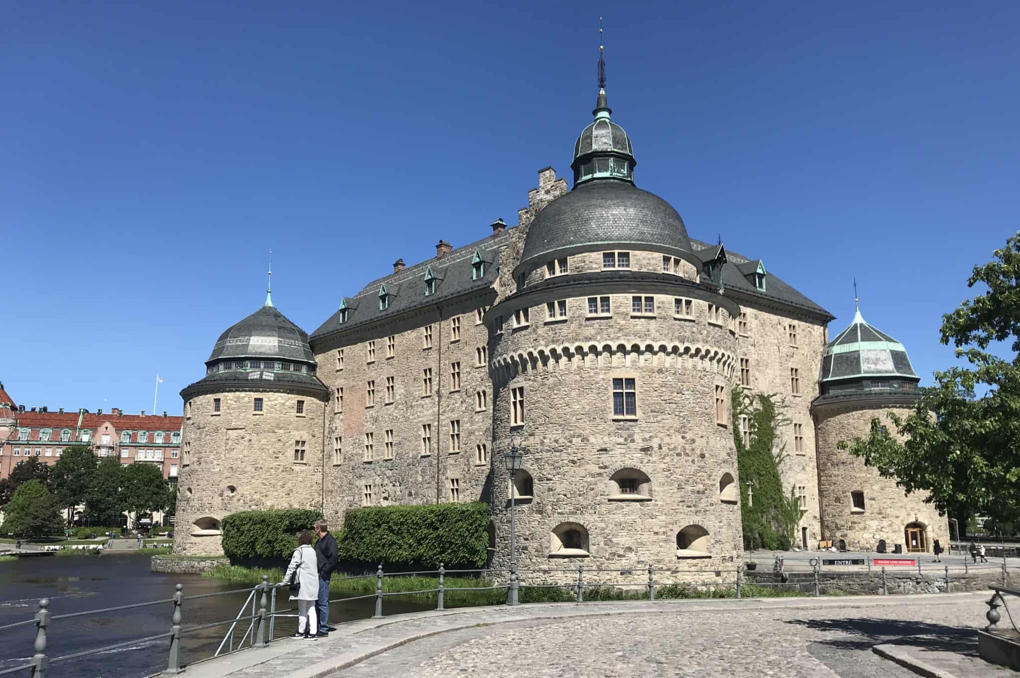 Travel back in time at Örebro's old royal palace. Here you can go on exciting ghost walks, look for treasures and go on guided tours.