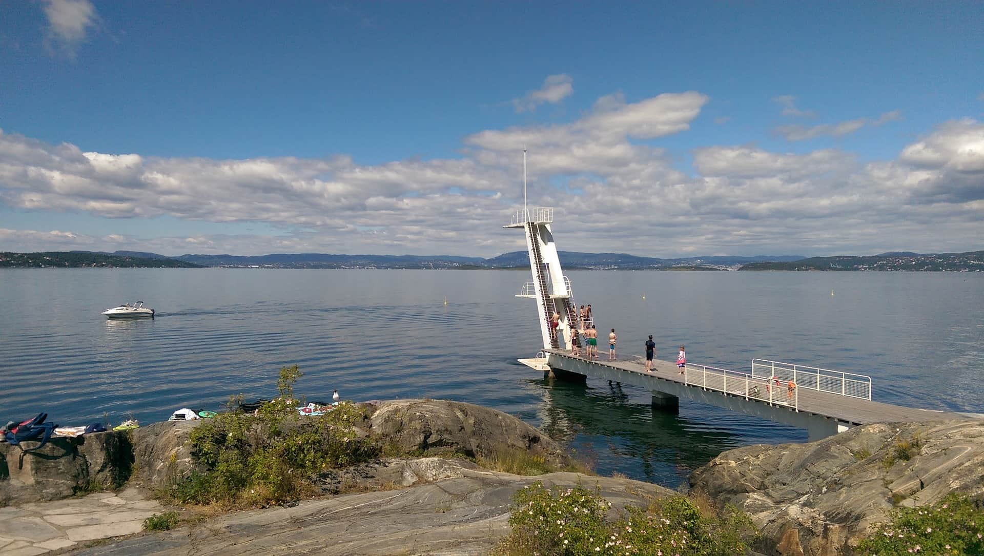 The journey from Fredrikshavn to Oslo leads through the beautiful Oslofjord, the perfect introduction to beautiful Norway