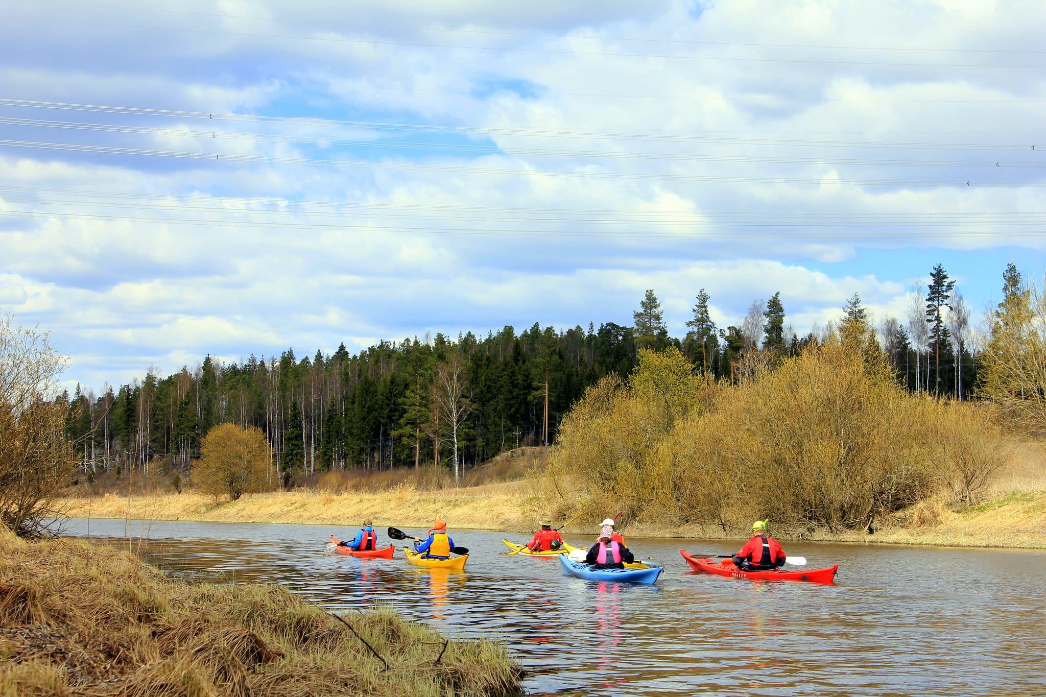 Canoeing in Finland means relaxing, because here you can enjoy the scent of pine trees and the sound of chirping birds for hours on end, without anyone disturbing you.
