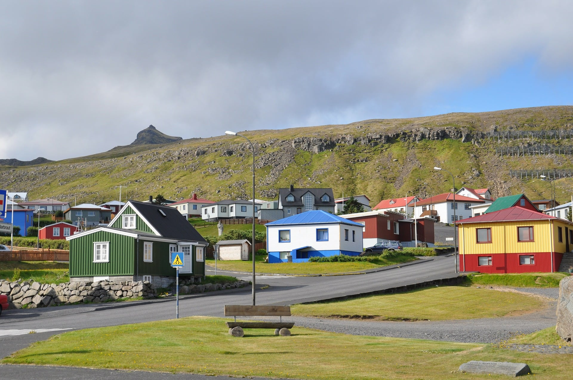 The town of Ólafsvík overlooks the Breiðafjörður fjord. It has a little more than 1000 inhabitants.