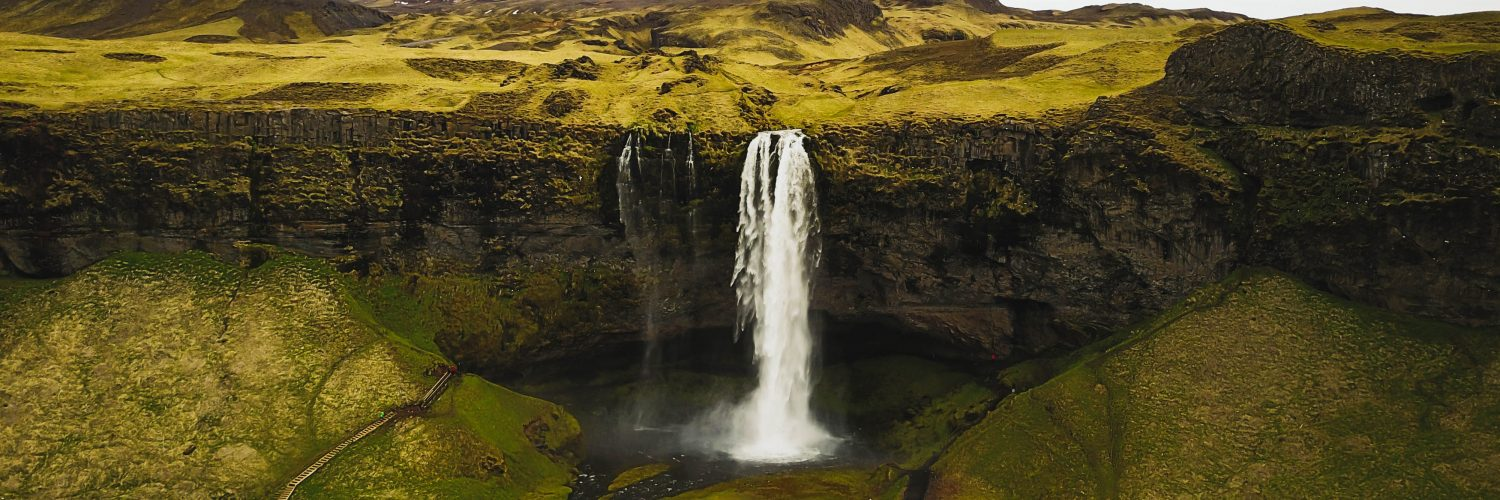 what is the best time to visit Iceland?